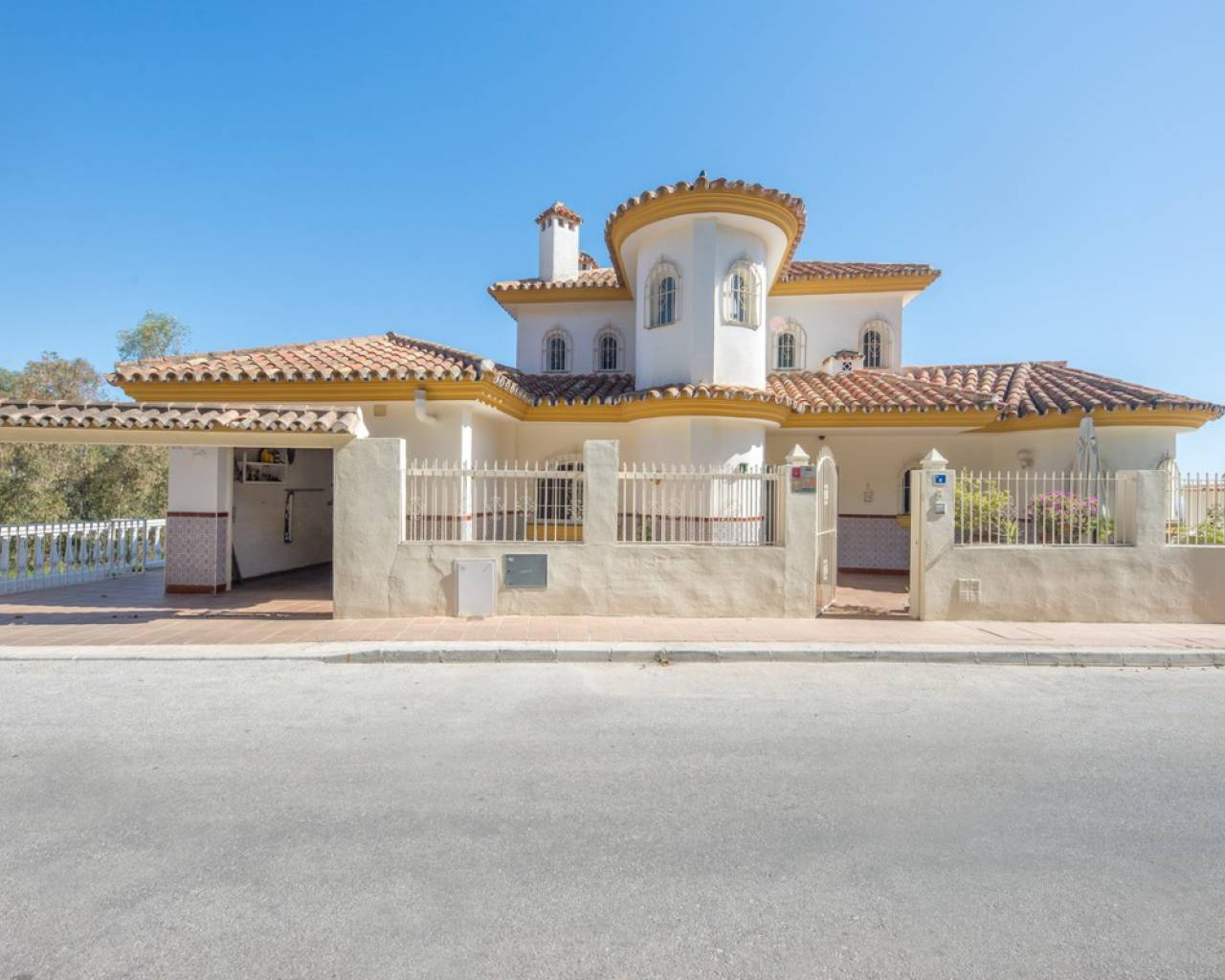 Sale - Villa - Mijas Costa