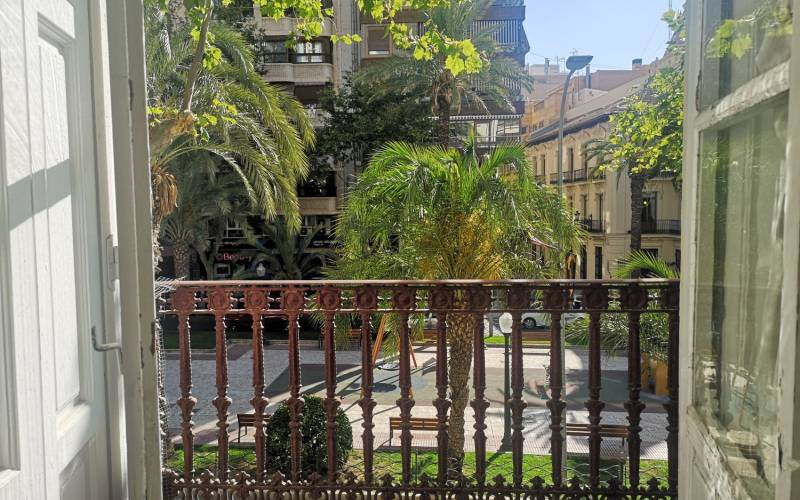 Apartment - Sale - Alicante - Central