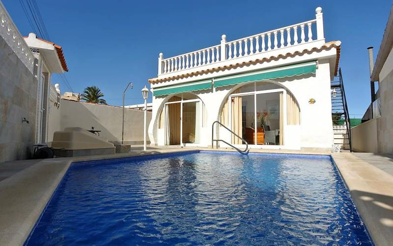 Villa - Sale - Torrevieja - Center