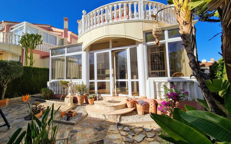Вилла - Sale - Torrevieja  - Los Altos
