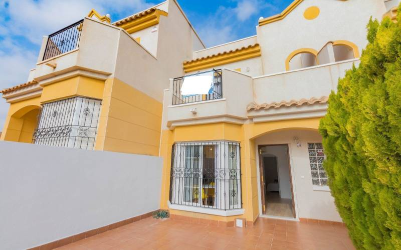 Townhouse - Sale - Torrevieja  - Los Balcones