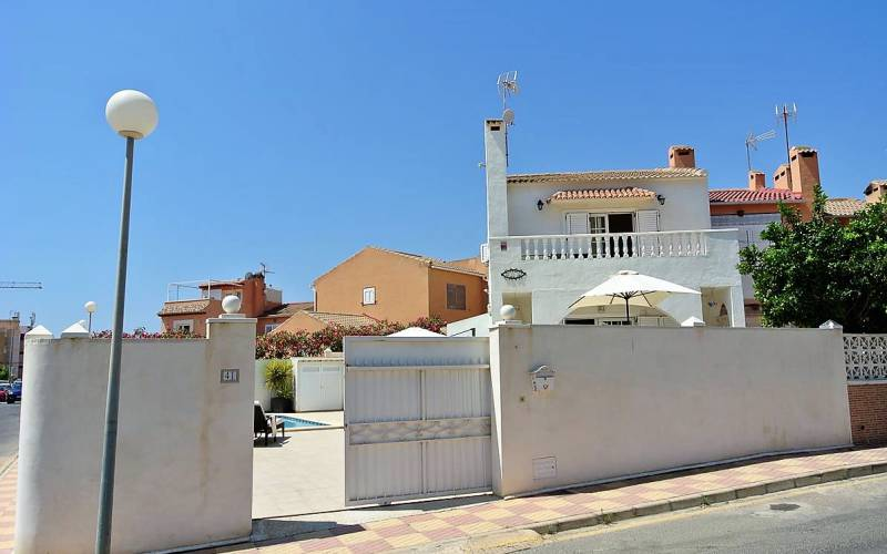 Villa / Semi detached - Sale - Torrevieja - La Rosaleda