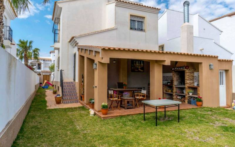 Villa / Semi detached - Sale - Torrevieja - Punta Prima