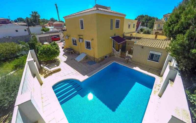 Villa / Semi detached - Sale - Torrevieja - Los Balcones
