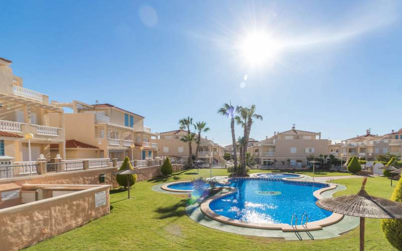 Appartement - Sale - Orihuela-Costa - La Zenia